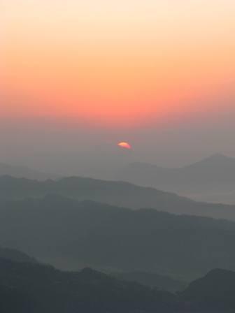 I climbed 5500 FT to Sarangkot see the sunrise in Pokhara, Nepal