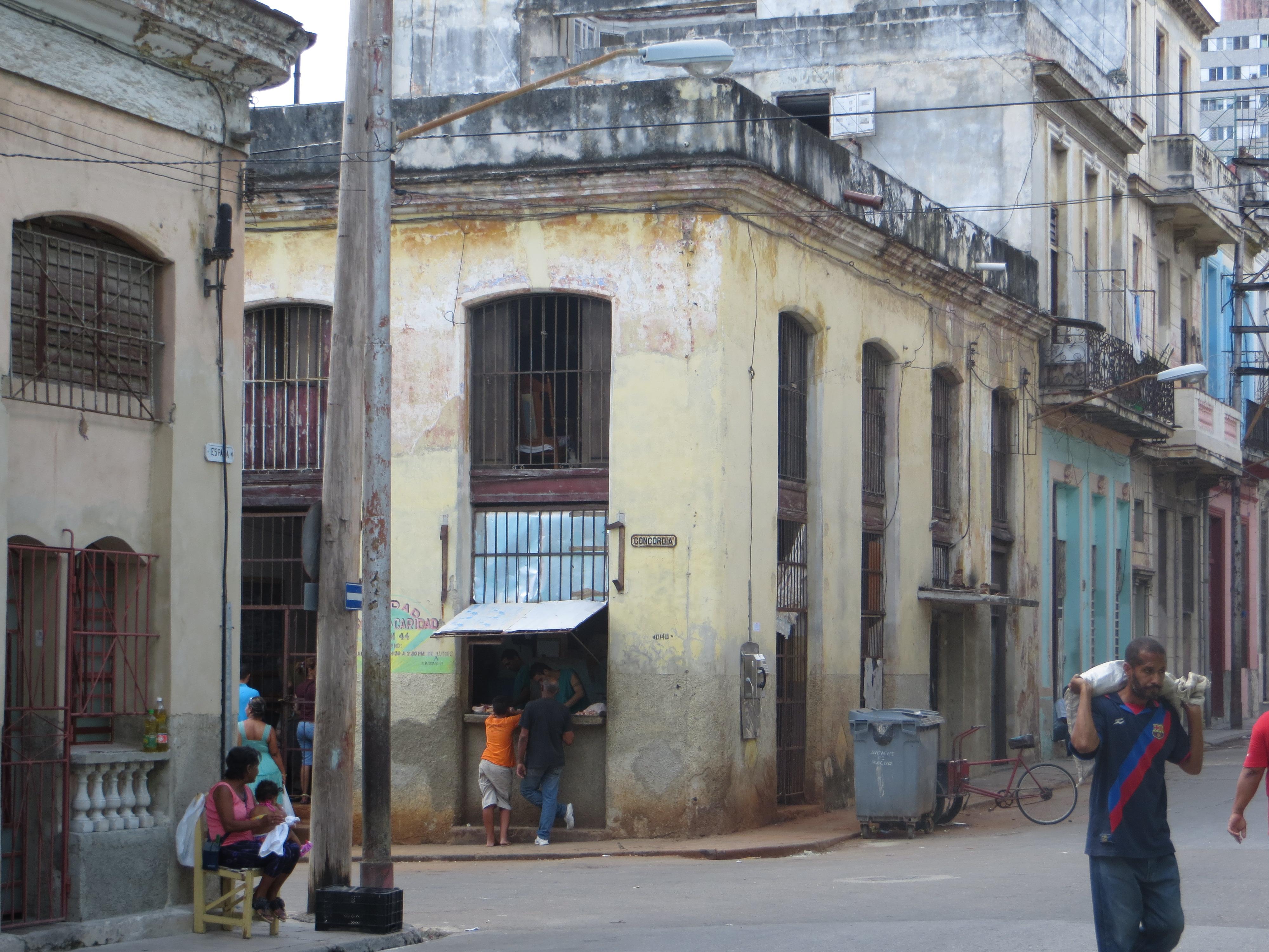 Havana Saturday street scene